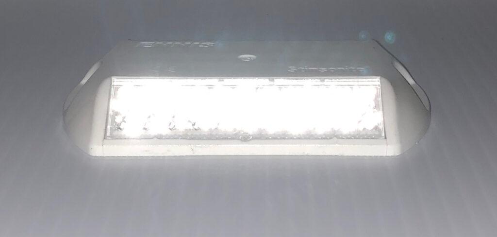 White stimsonite c80 reflective markers